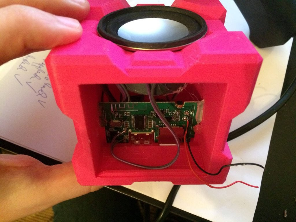 Companion_Cube_Bluetooth_Boombox_Glue